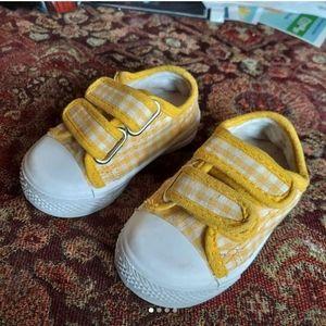 NWOT Kalli yellow gingham tennis shoes Sz 5